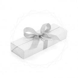 Pudełko prezentowe białe ze srebrną wstążką [19615-00]Pudełko prezentowe białe ze...